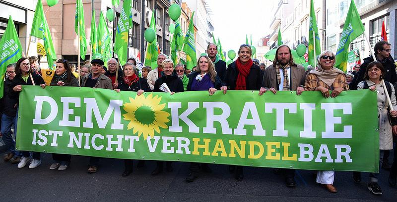 TTIP & CETA so nicht! Demo am 10. Oktober 2015 in Berlin. (Creative-Commons-Namensnennung-Lizenz der Bundestagsfraktion Bündnis 90/Die Grünen)